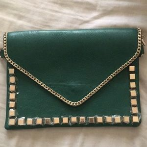 Green chain/studded clutch
